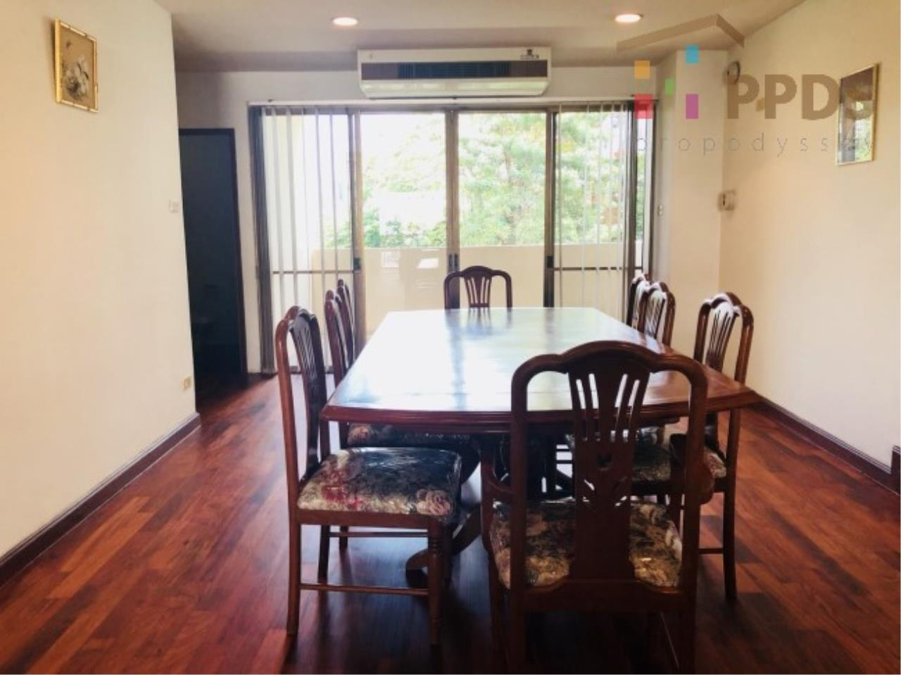 Propodyssey Agency's 3 Specious apartment for rent on Promphong area near Emquatier 17