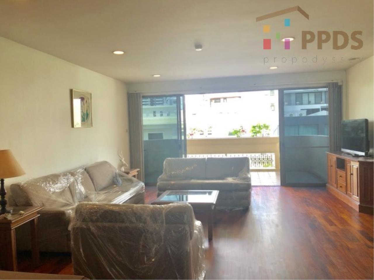Propodyssey Agency's 3 Specious apartment for rent on Promphong area near Emquatier 18