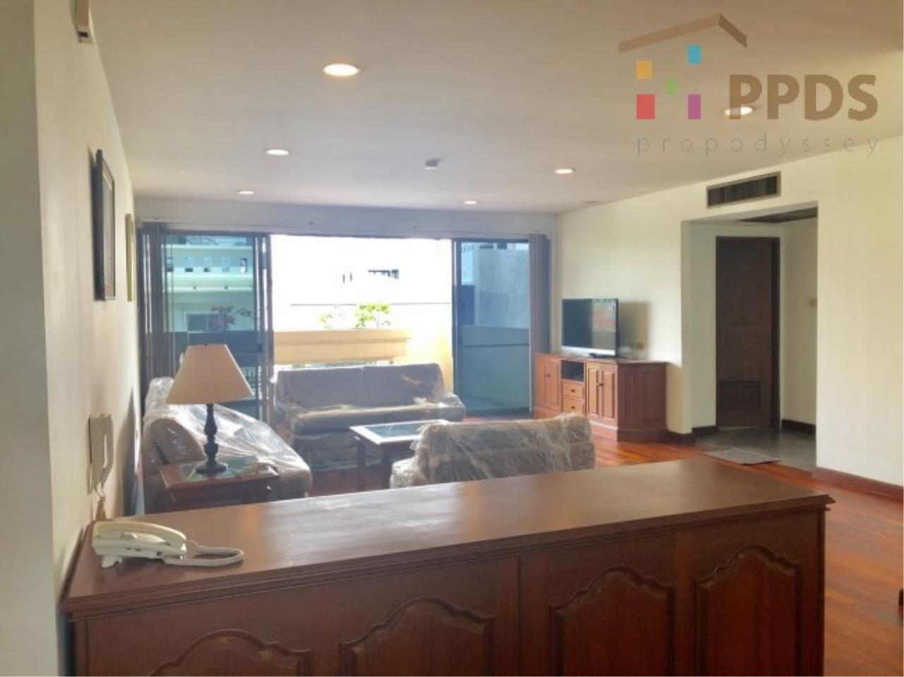 Propodyssey Agency's 3 Specious apartment for rent on Promphong area near Emquatier 6