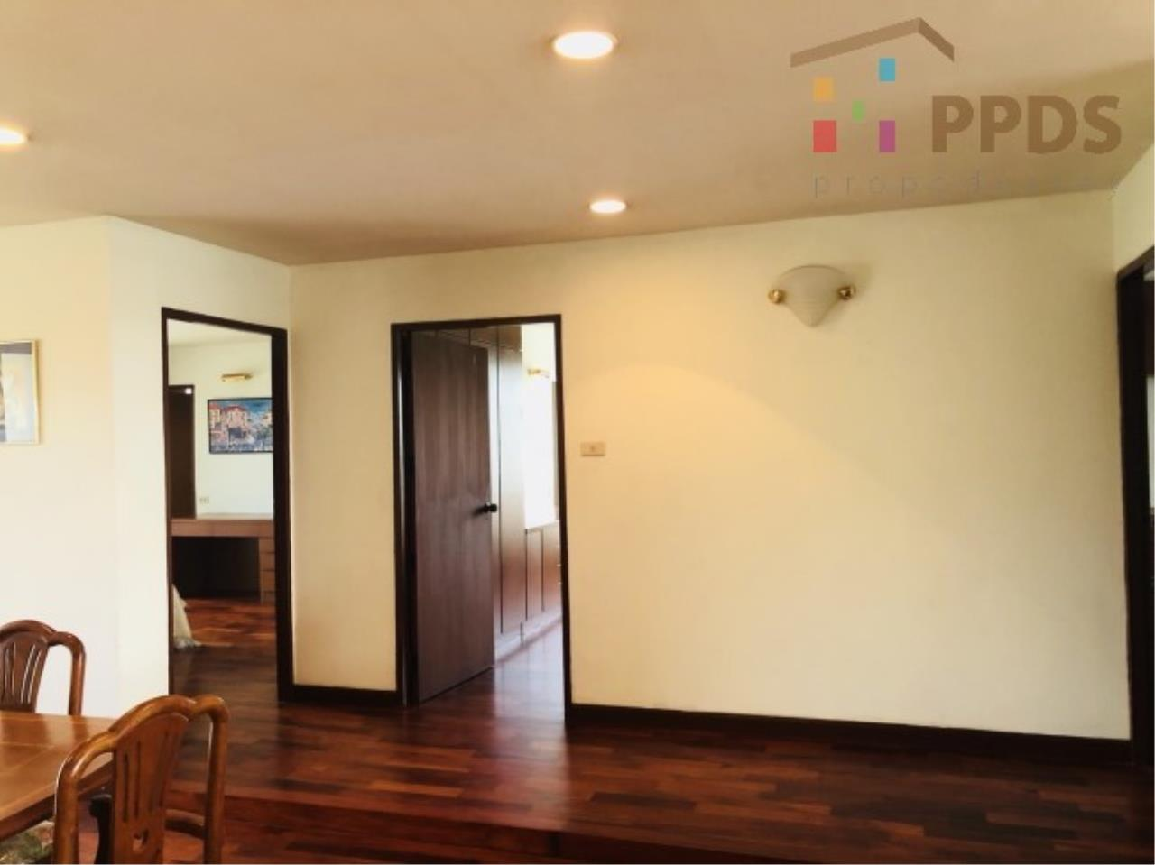 Propodyssey Agency's 3 Specious apartment for rent on Promphong area near Emquatier 19