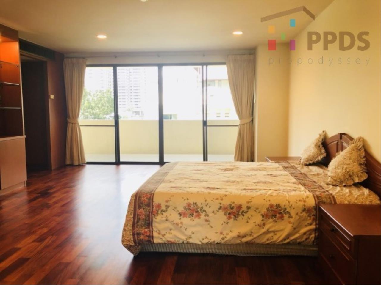 Propodyssey Agency's 3 Specious apartment for rent on Promphong area near Emquatier 8