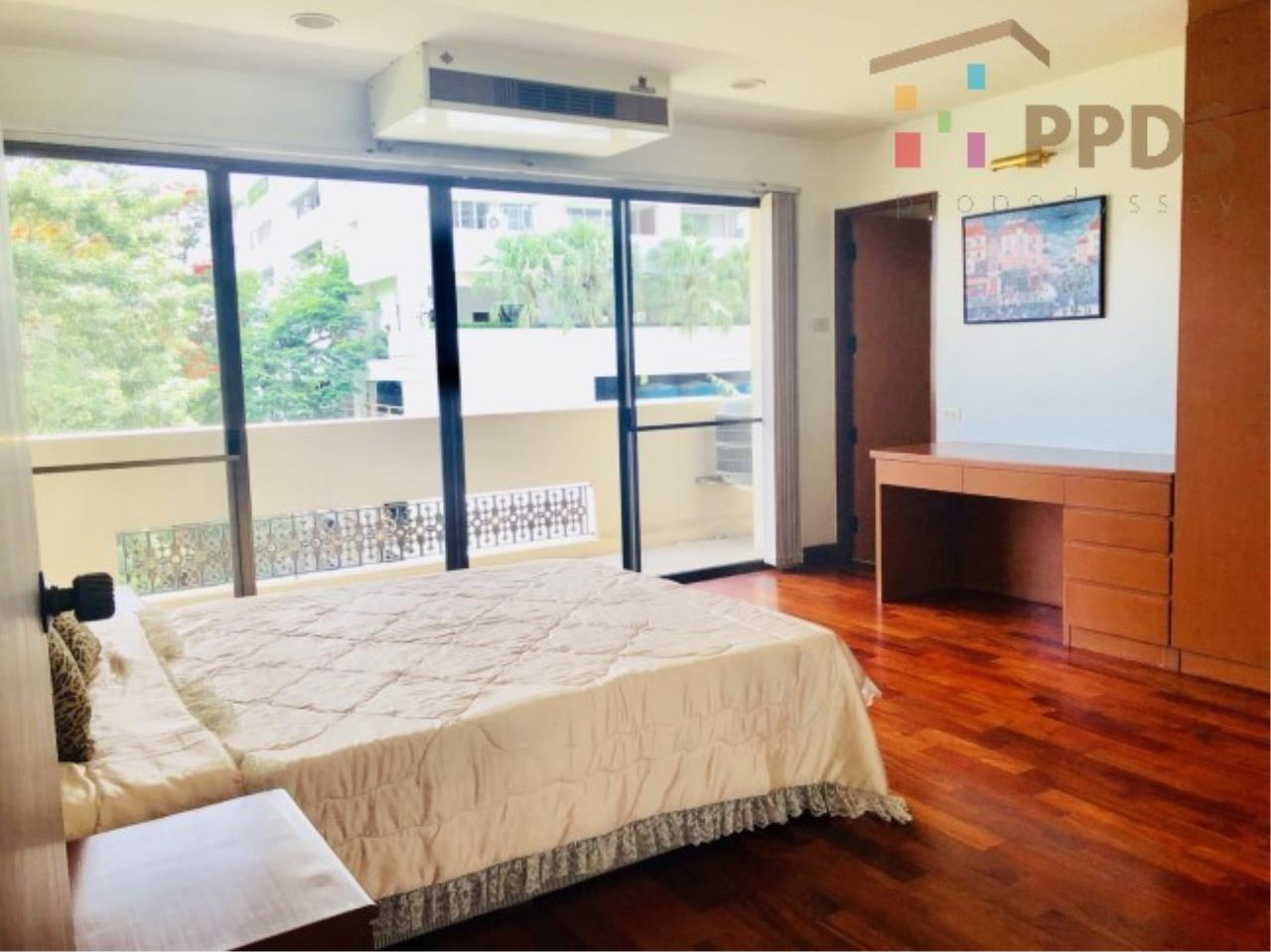 Propodyssey Agency's 3 Specious apartment for rent on Promphong area near Emquatier 3