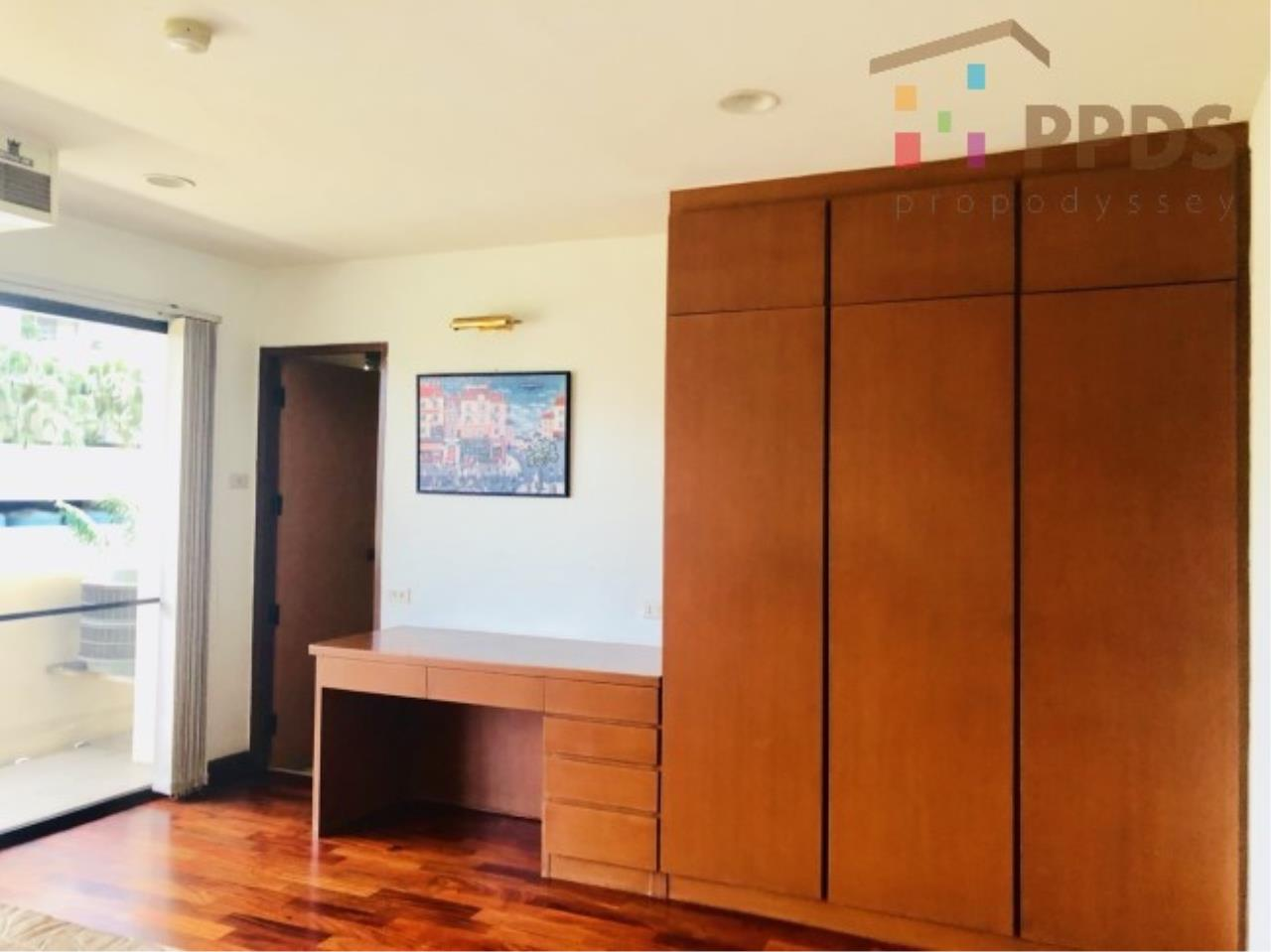 Propodyssey Agency's 3 Specious apartment for rent on Promphong area near Emquatier 4