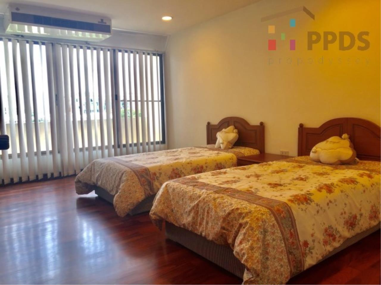 Propodyssey Agency's 3 Specious apartment for rent on Promphong area near Emquatier 2