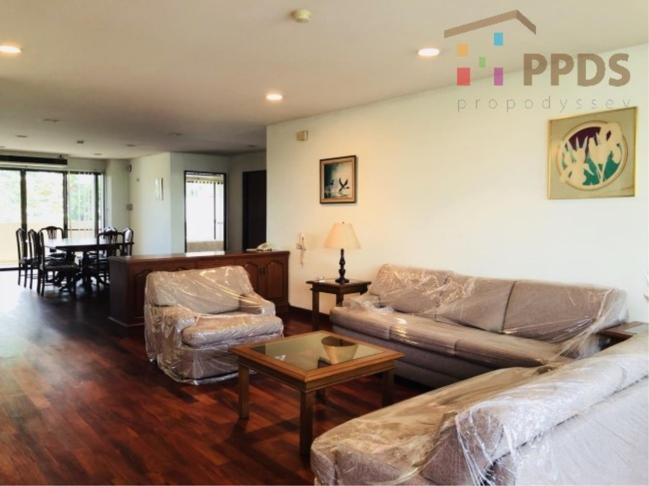 Propodyssey Agency's 3 Specious apartment for rent on Promphong area near Emquatier 1