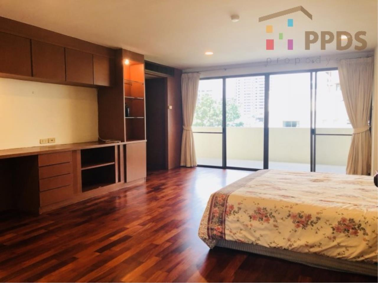 Propodyssey Agency's 3 Specious apartment for rent on Promphong area near Emquatier 9
