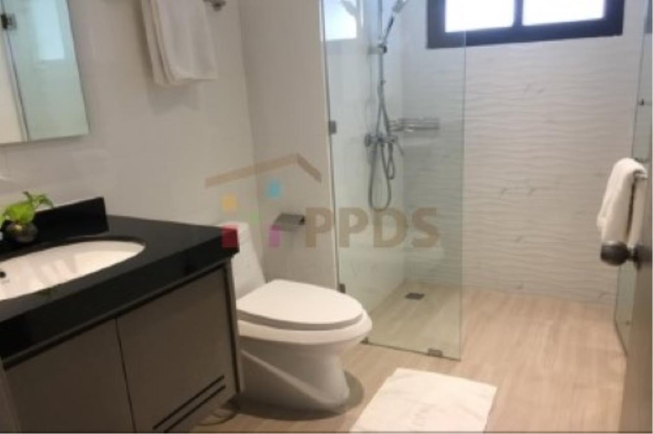 Propodyssey Agency's Newly renovate room for rent near BTS and MRT 5
