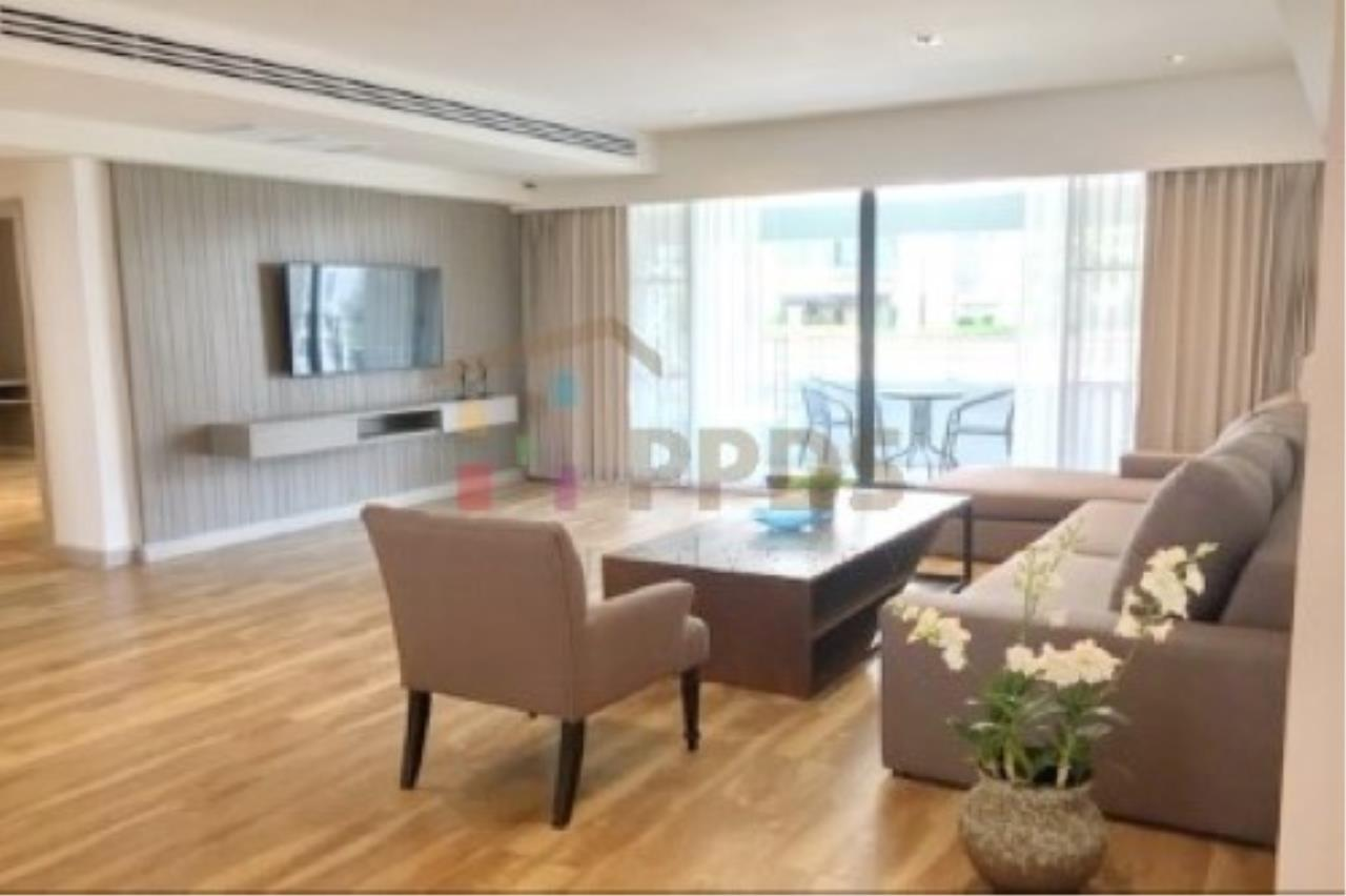 Propodyssey Agency's Newly renovate room for rent near BTS and MRT 8
