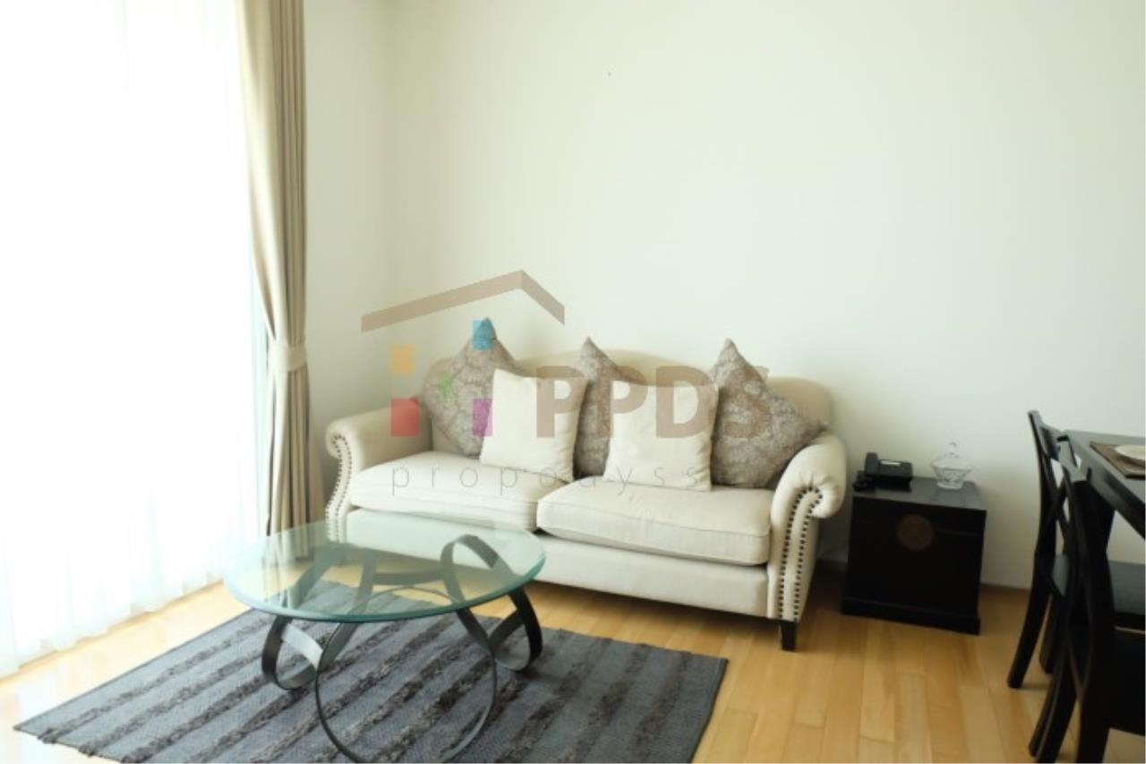 Propodyssey Agency's Height rise condo for rent at Sukhumvit soi 39, Close to BTS Sky train. 1