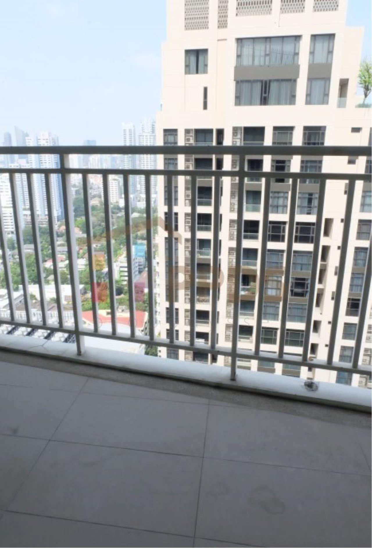 Propodyssey Agency's Height rise condo for rent at Sukhumvit soi 39, Close to BTS Sky train. 12