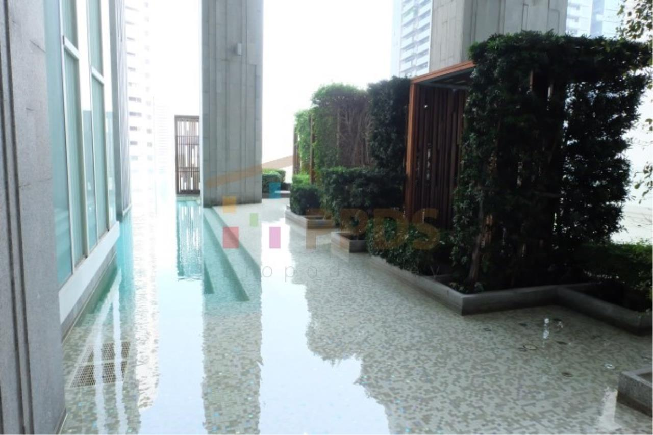 Propodyssey Agency's Height rise condo for rent at Sukhumvit soi 39, Close to BTS Sky train. 17