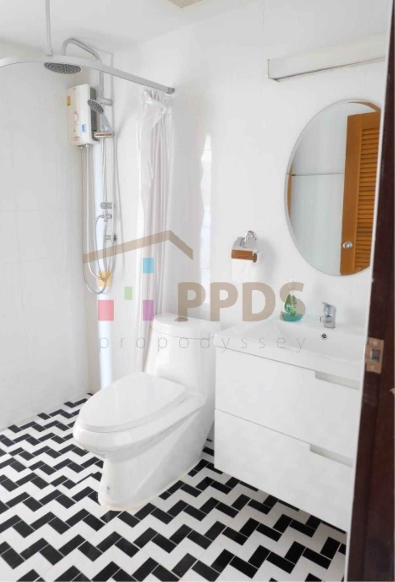 Propodyssey Agency's Newly renovate room for rent at Royal Castle Sukhumvit 39 5