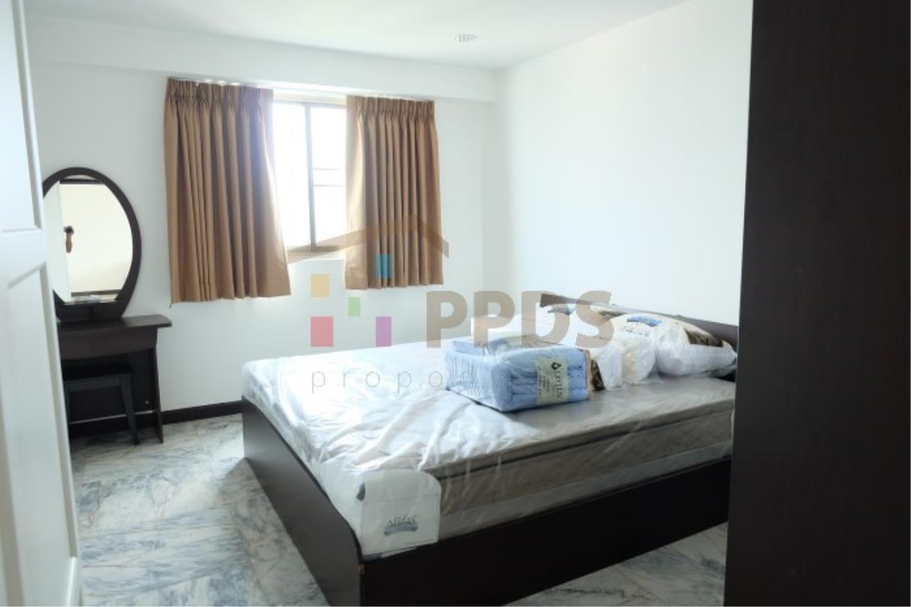 Propodyssey Agency's Newly renovate room for rent at Royal Castle Sukhumvit 39 6