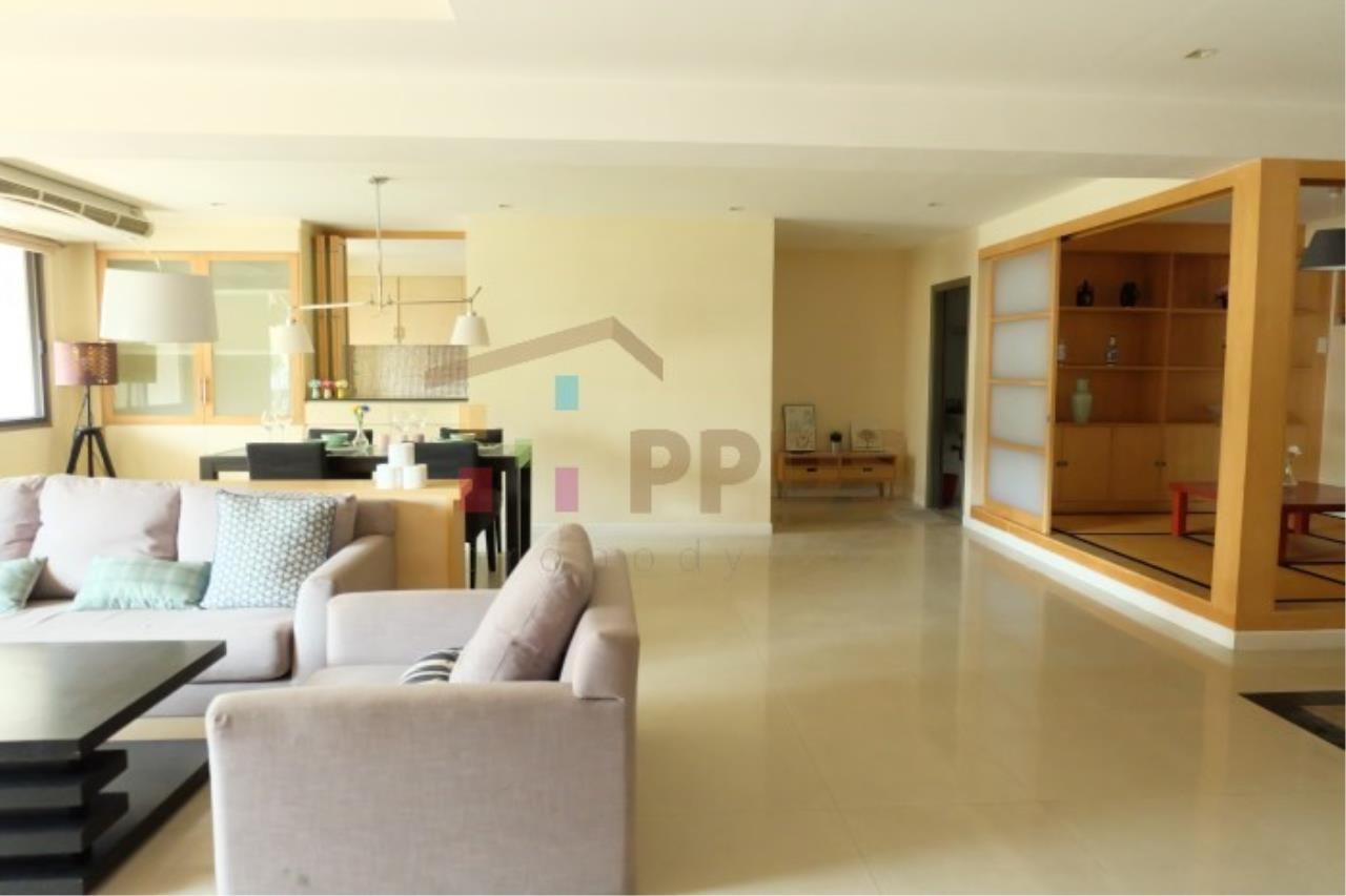 Propodyssey Agency's 2 bedrooms for rent at Royal Castle Sukhumvit 39 11