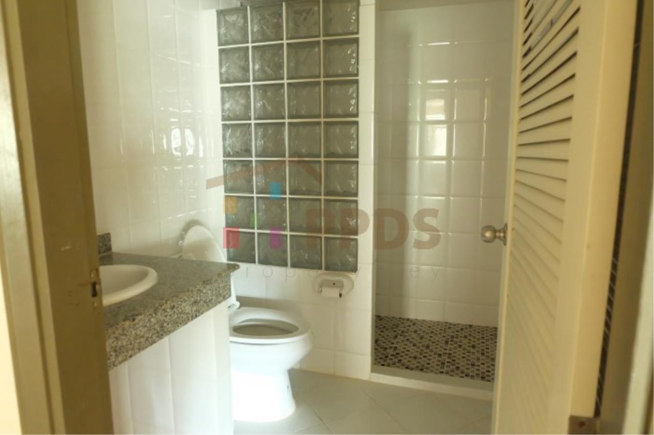 Propodyssey Agency's 2 bedrooms for rent at Royal Castle Sukhumvit 39 12