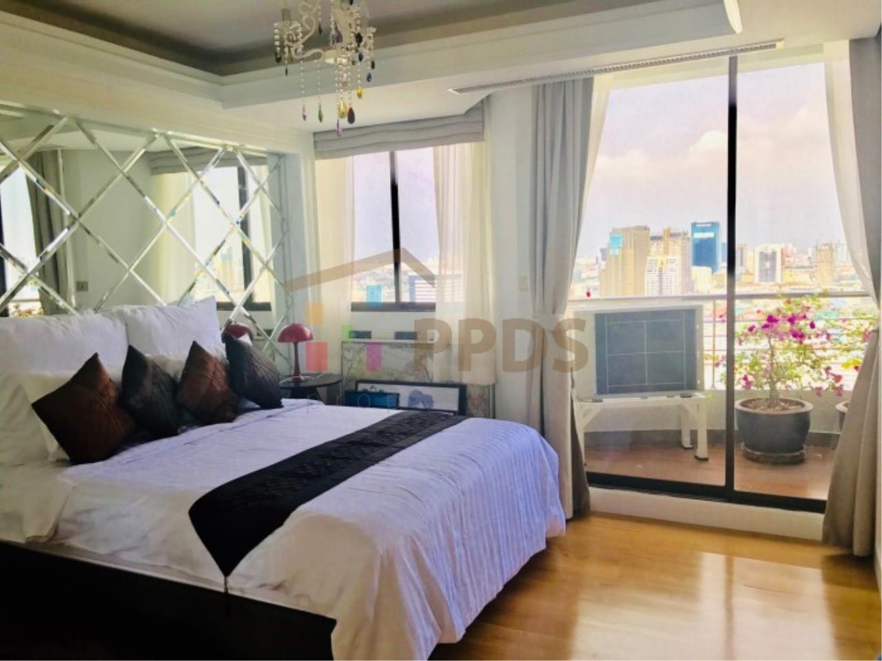 Propodyssey Agency's Duplex Penthouse with a large balcony and city is available for rent on Promphong Area. 10