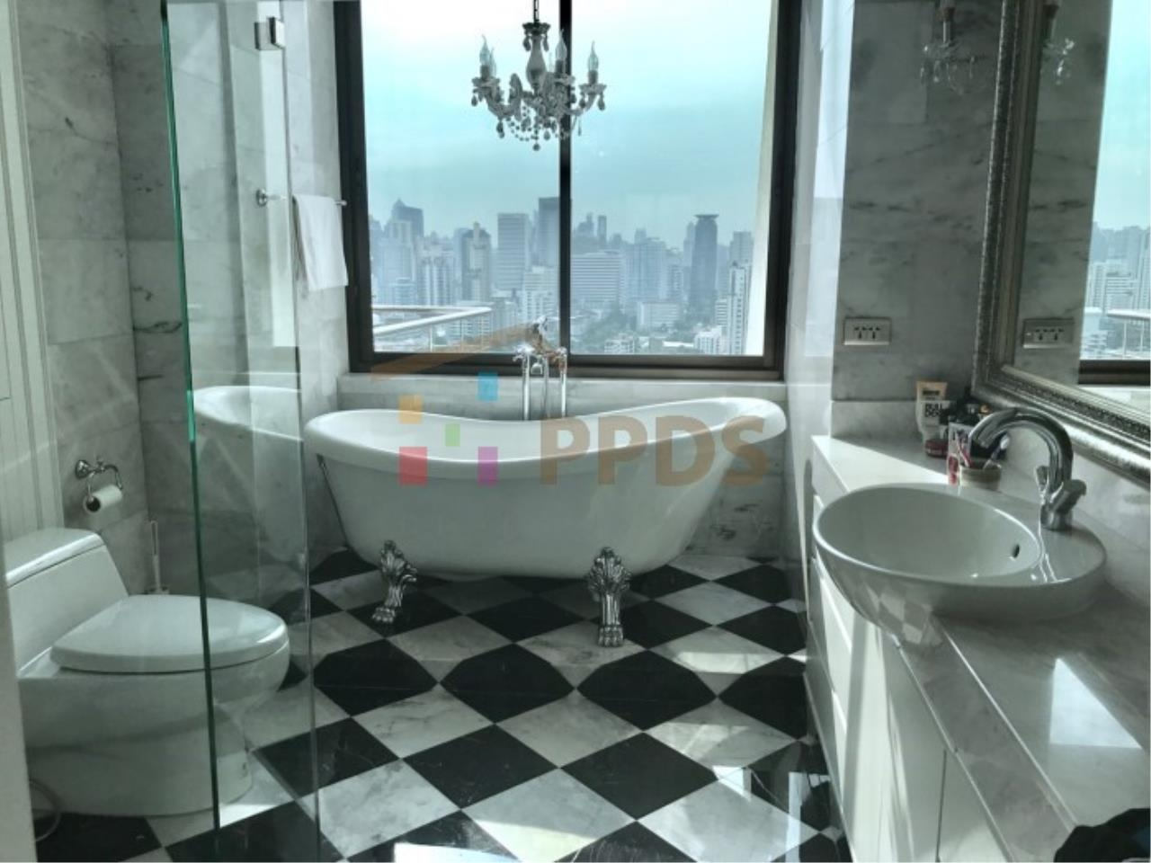 Propodyssey Agency's Duplex Penthouse with a large balcony and city is available for rent on Promphong Area. 14
