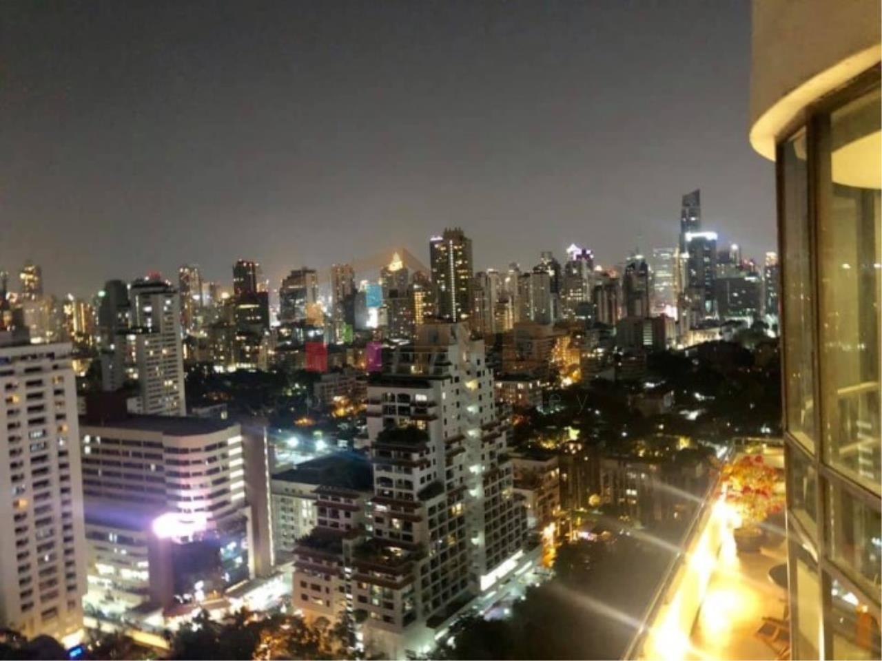 Propodyssey Agency's Duplex Penthouse with a large balcony and city is available for rent on Promphong Area. 27