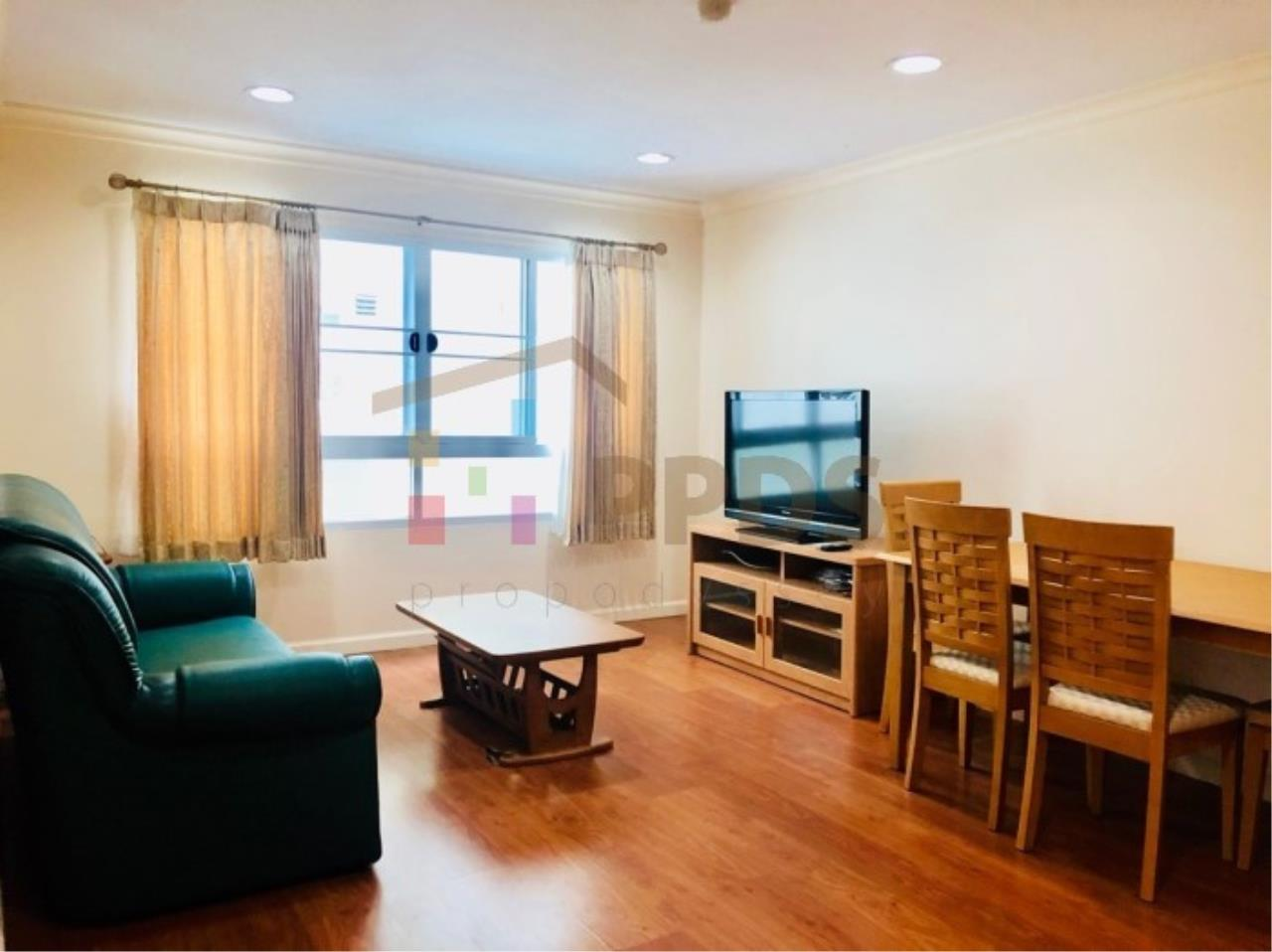 Propodyssey Agency's One specious bedroom condo walking distance to Promphong BTS 1
