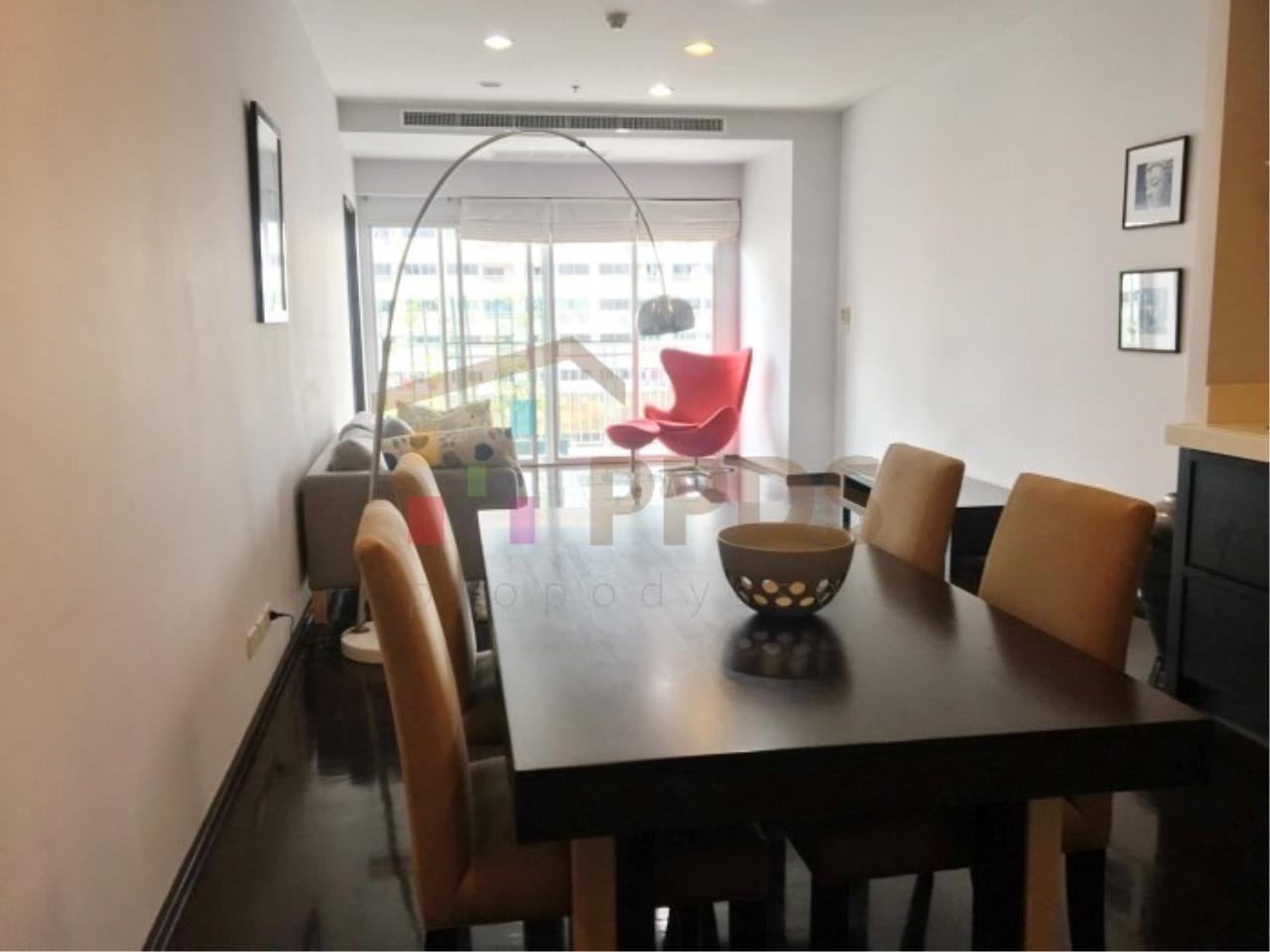 Propodyssey Agency's 1 bedroom for rent in Sukhumvit 55, Big living area. 2