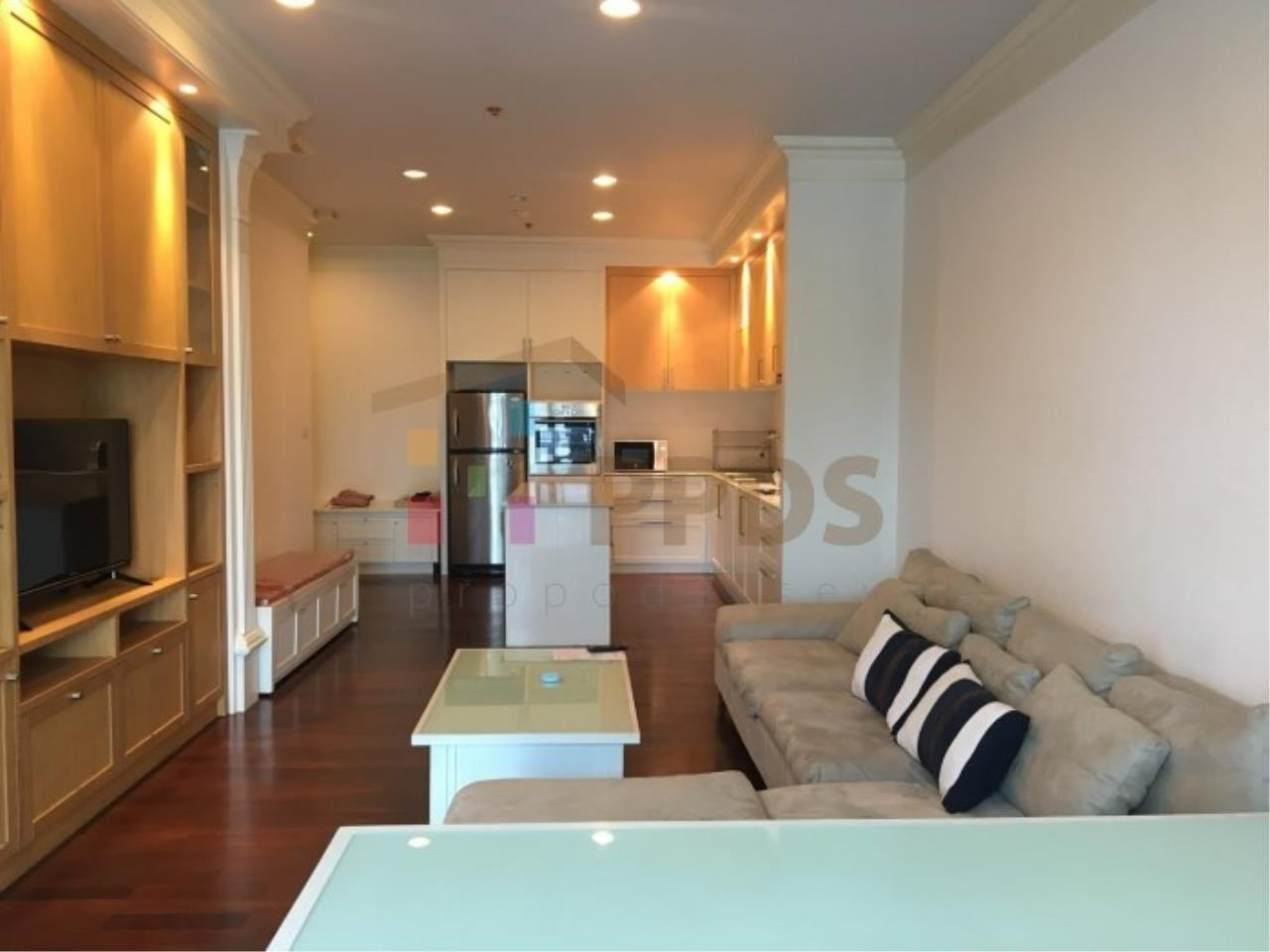 Propodyssey Agency's 1 bedroom for rent in Sukhumvit 55, Big living area. 8