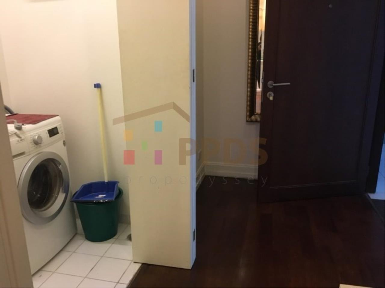 Propodyssey Agency's 1 bedroom for rent in Sukhumvit 55, Big living area. 11