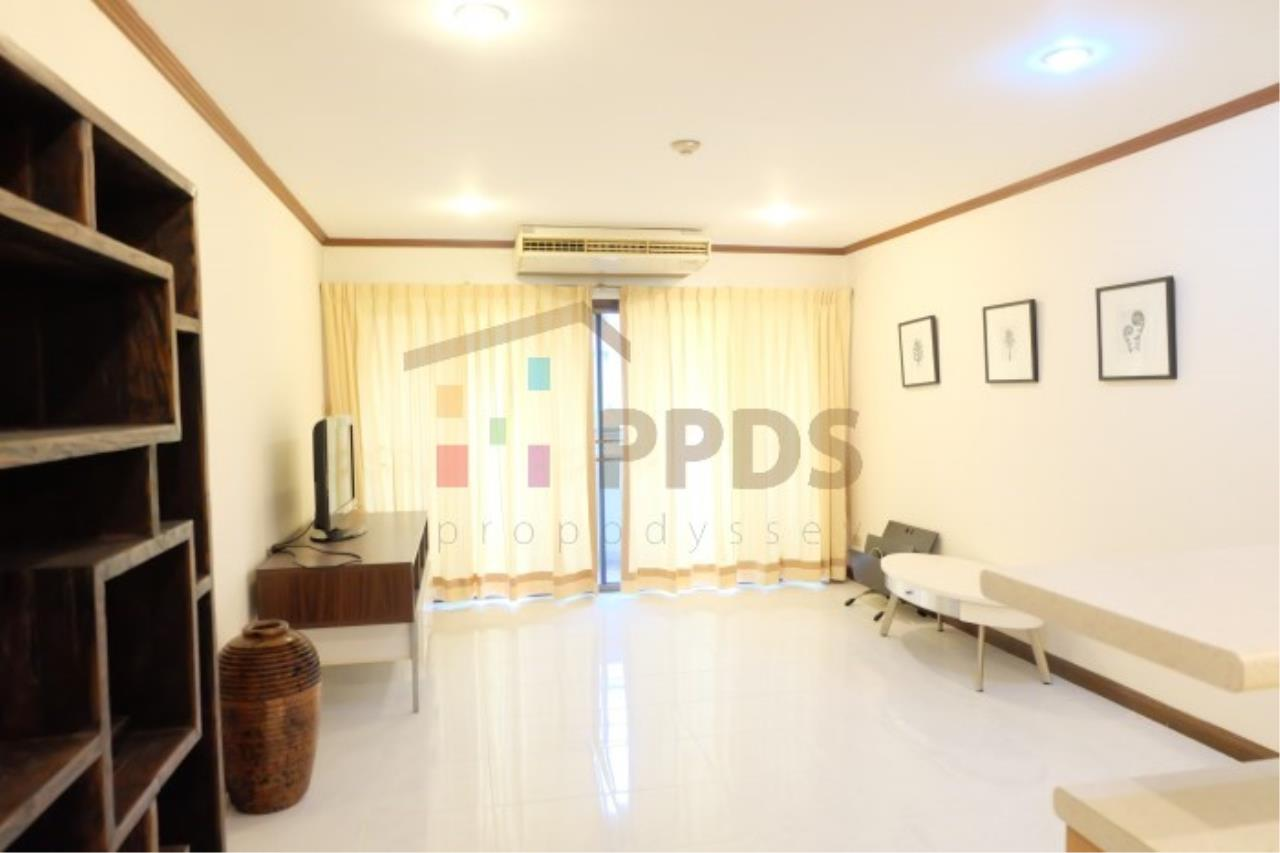 Propodyssey Agency's Nice room for rent at Sukhumvit soi 26 1