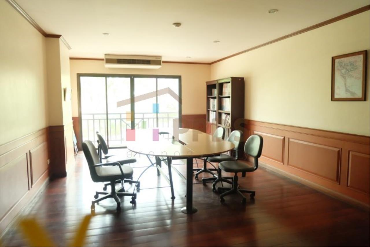 Propodyssey Agency's Nice room for rent at Sukhumvit soi 26 18