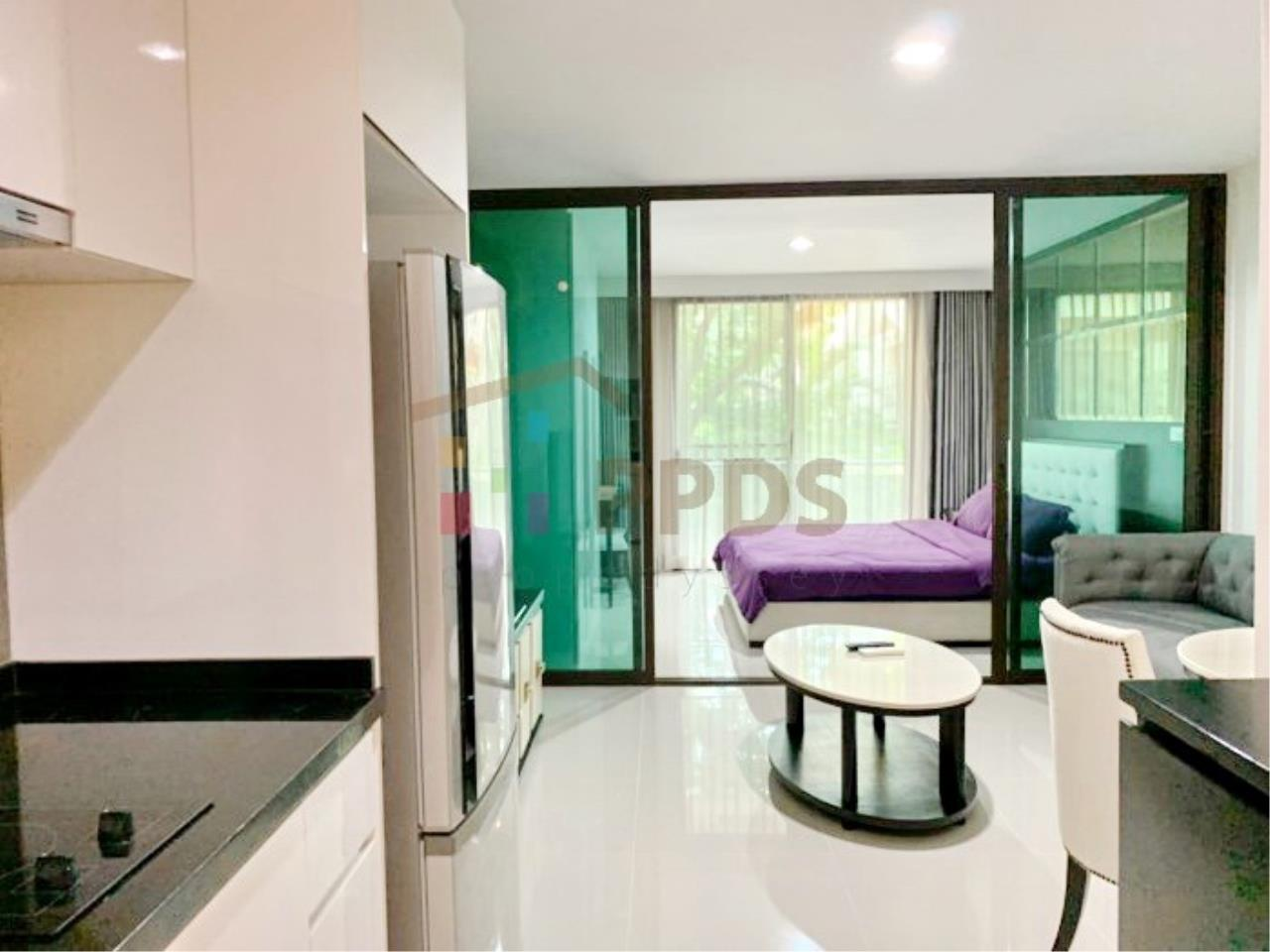 Propodyssey Agency's Low rise condo for rent walking distance to BTS Prompong 6