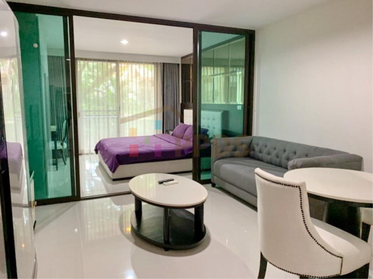 Propodyssey Agency's Low rise condo for rent walking distance to BTS Prompong 3