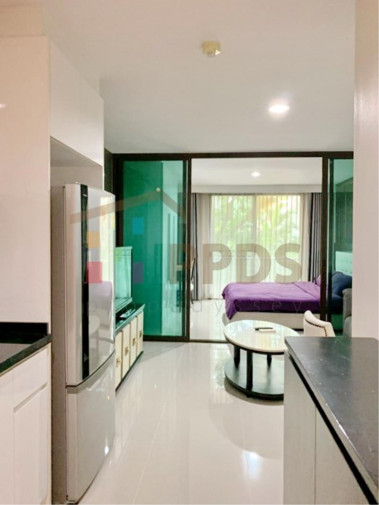 Propodyssey Agency's Low rise condo for rent walking distance to BTS Prompong 7