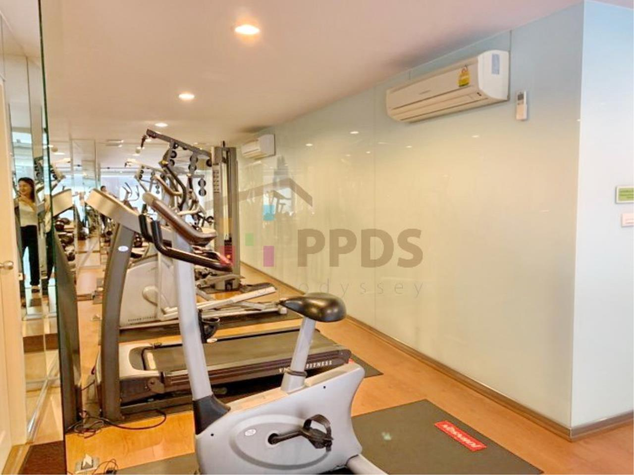 Propodyssey Agency's Nice 2 bedrooms for rent at Sukhumvit 24 close to BTS Prompong 12