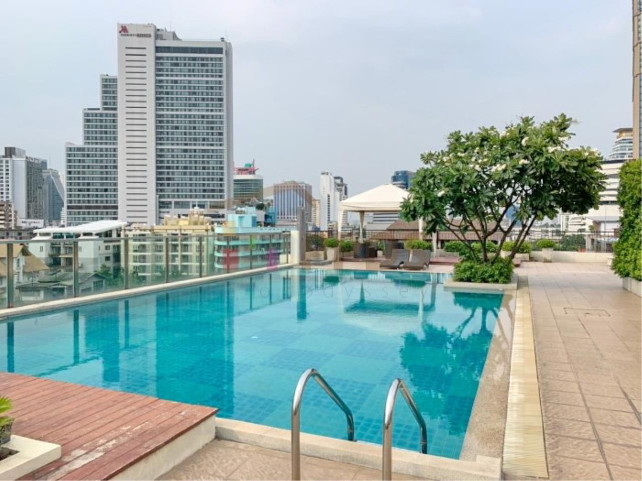 Propodyssey Agency's Nice 2 bedrooms for rent at Sukhumvit 24 close to BTS Prompong 10