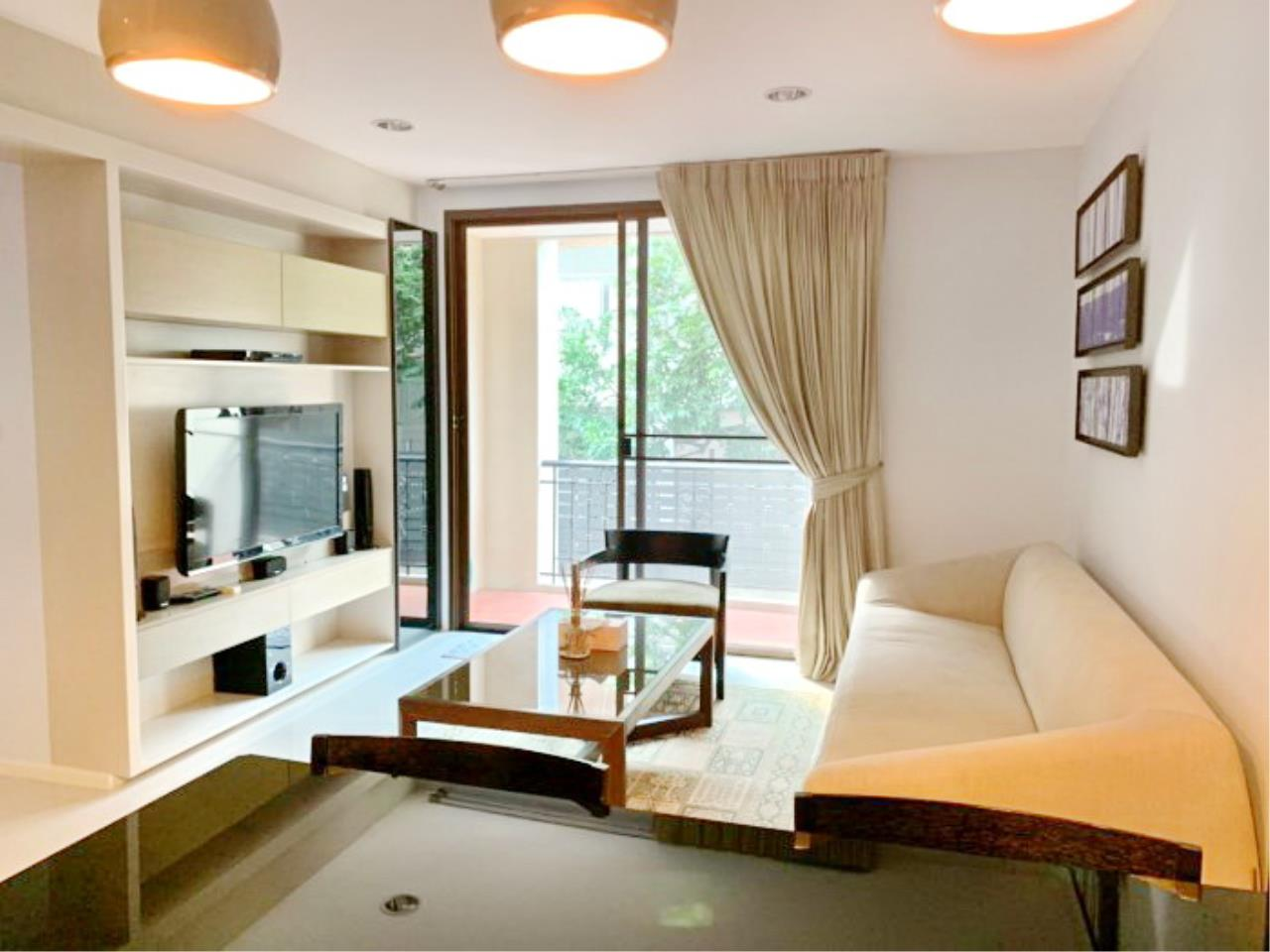 Propodyssey Agency's Nice 2 bedrooms for rent at Sukhumvit 24 close to BTS Prompong 1