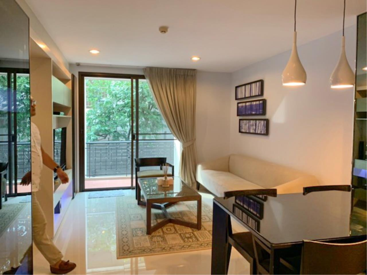 Propodyssey Agency's Nice 2 bedrooms for rent at Sukhumvit 24 close to BTS Prompong 4