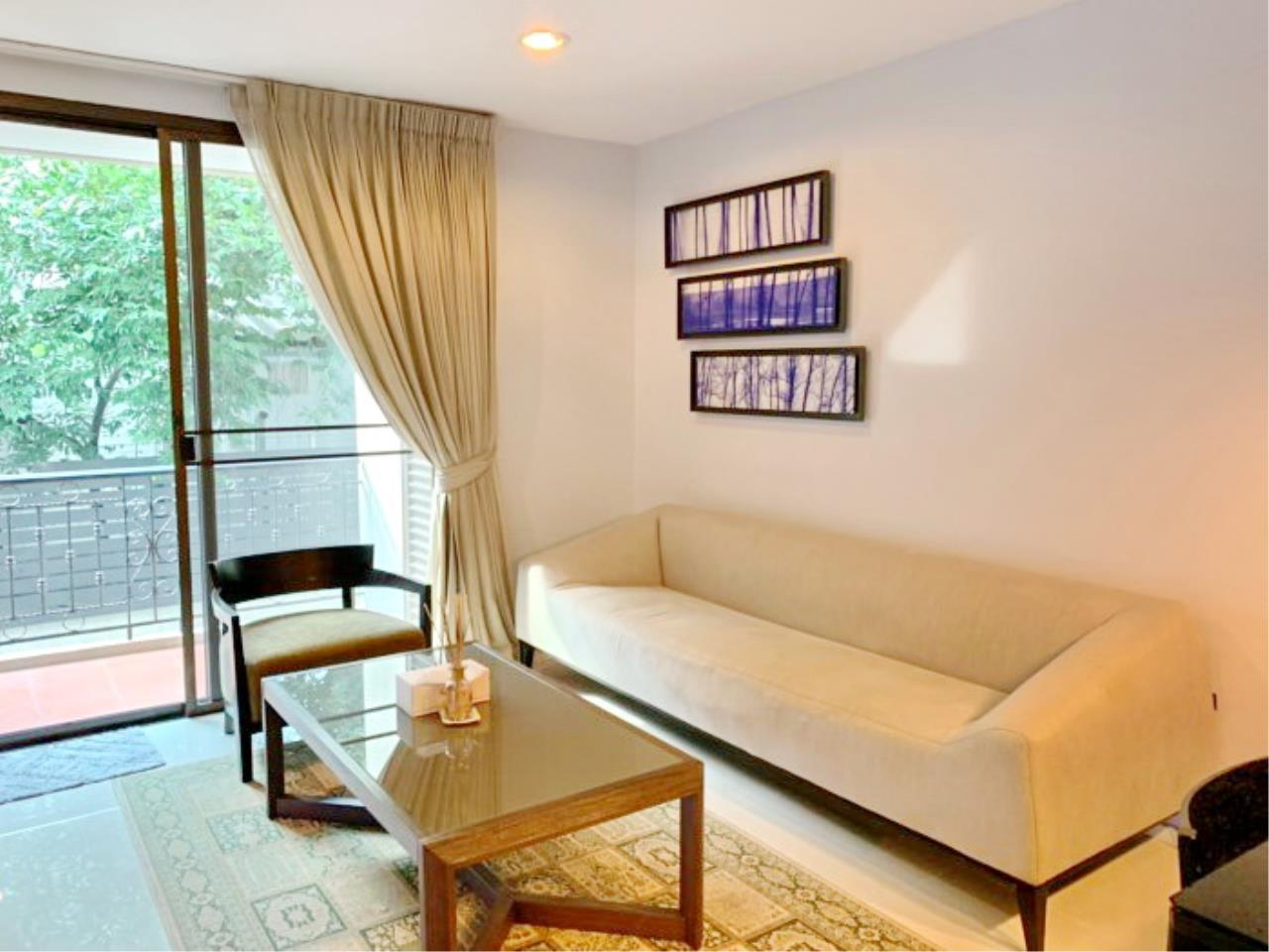 Propodyssey Agency's Nice 2 bedrooms for rent at Sukhumvit 24 close to BTS Prompong 2
