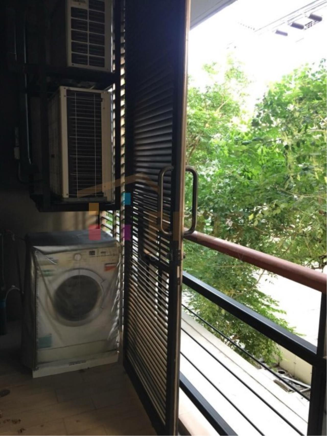 Propodyssey Agency's Specious 1 bedroom close to Ekkamai BTS Station 9