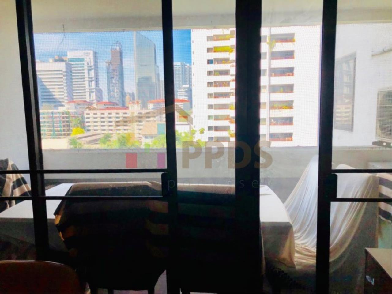 Propodyssey Agency's Sell 2 beds condo 175 sq.m with maid area at Prestige Tower Sukhumvit 23 5
