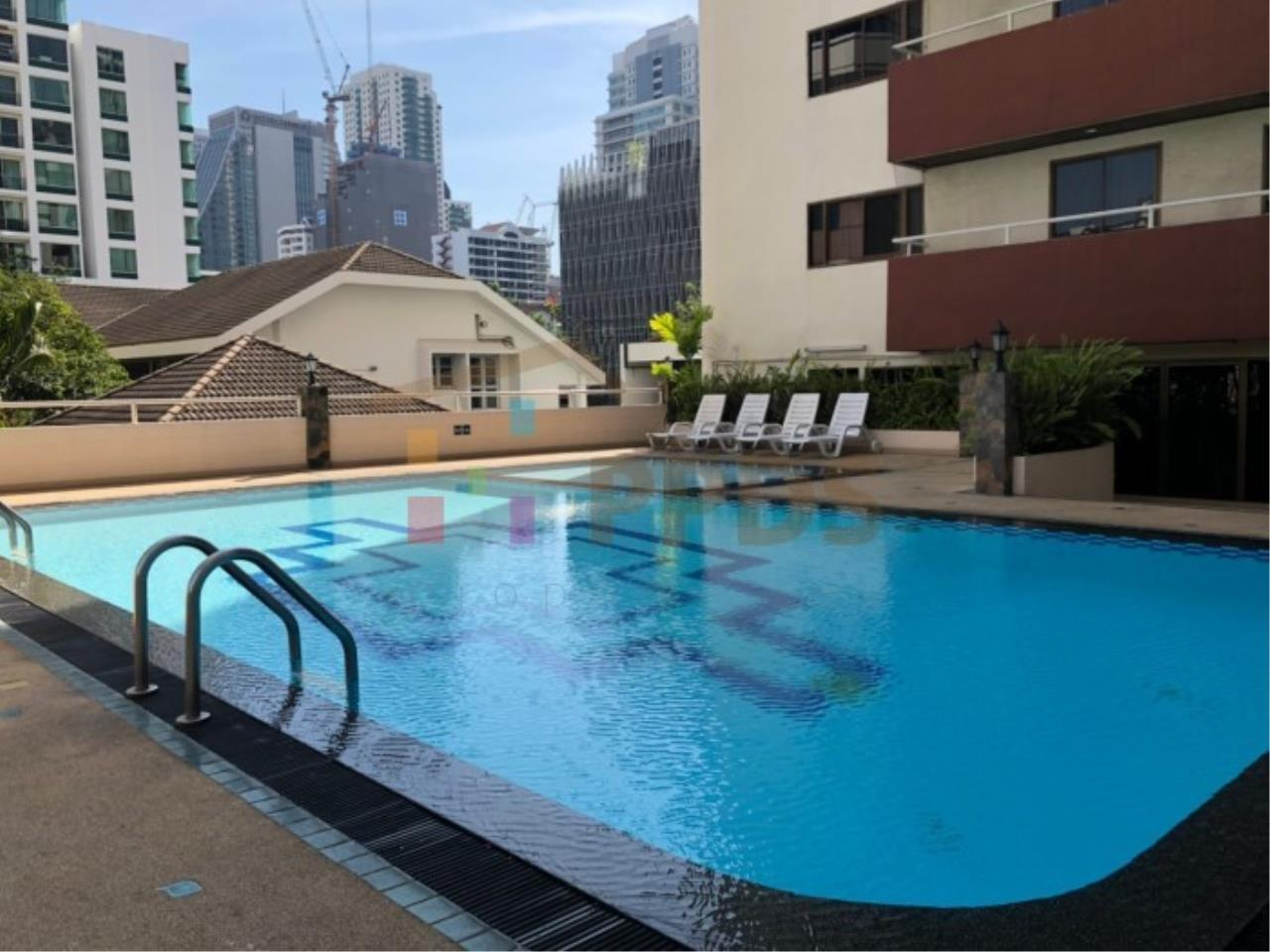Propodyssey Agency's Sell 2 beds condo 175 sq.m with maid area at Prestige Tower Sukhumvit 23 13