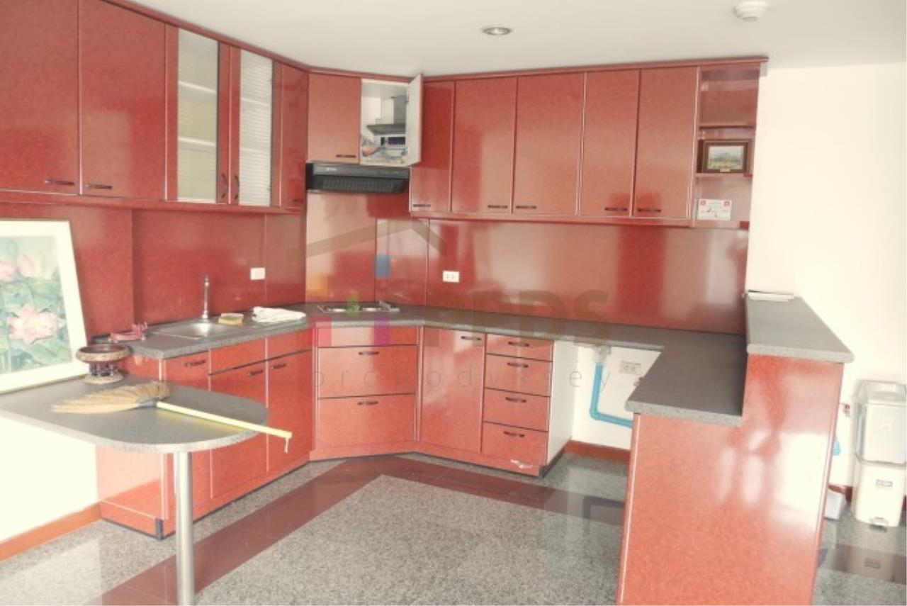 Propodyssey Agency's 2 bedrooms condo for sale on Sukhumvit 49 only 5.6 MB ! 4