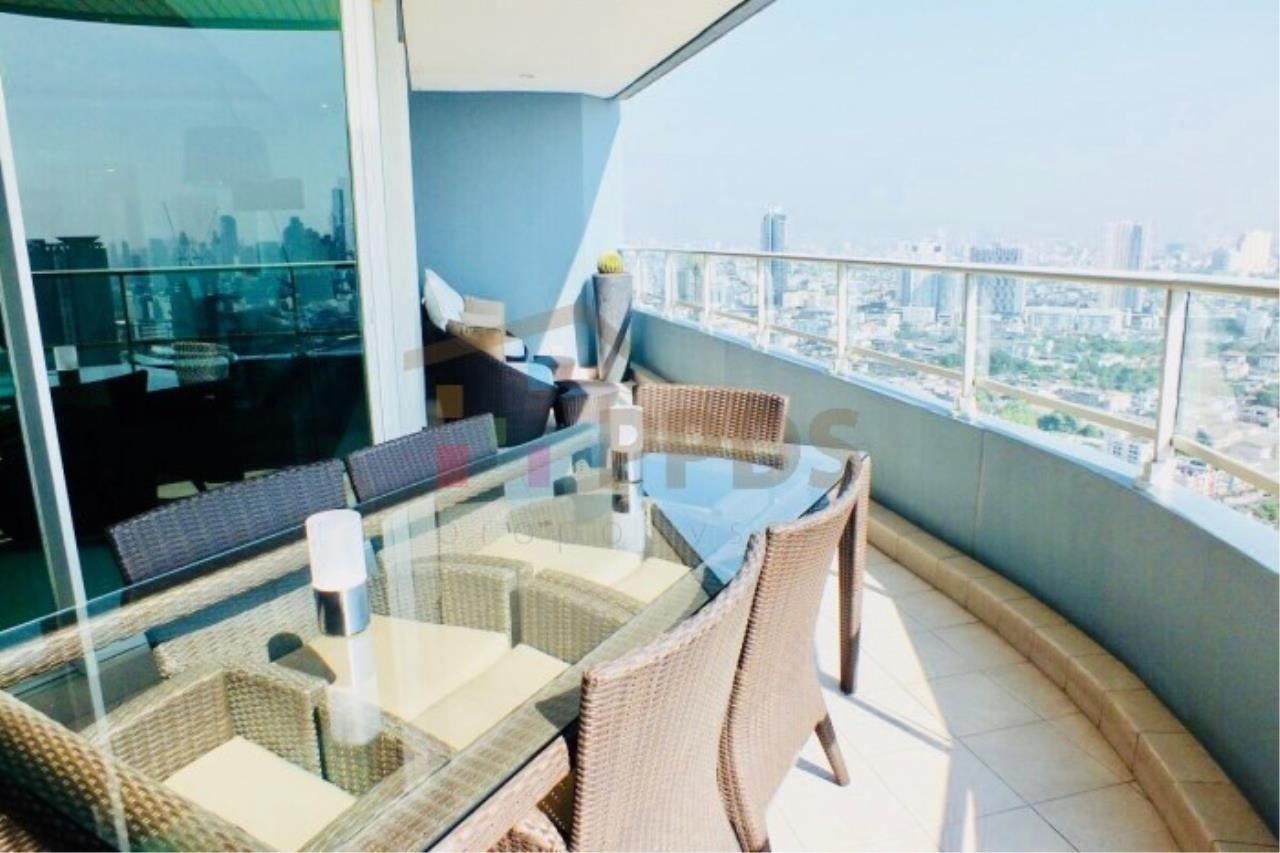 Propodyssey Agency's 4 bedrooms with incredible River and City View at WATERMARK CHAOPHRAYA RIVER 3
