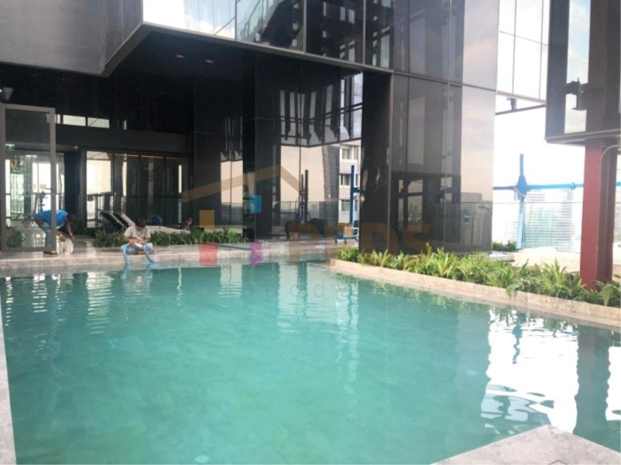 Propodyssey Agency's Ashton Silom - Sale Down Payment 2 beds Stack Floor Type A on high floor & Mahanakorn View 19