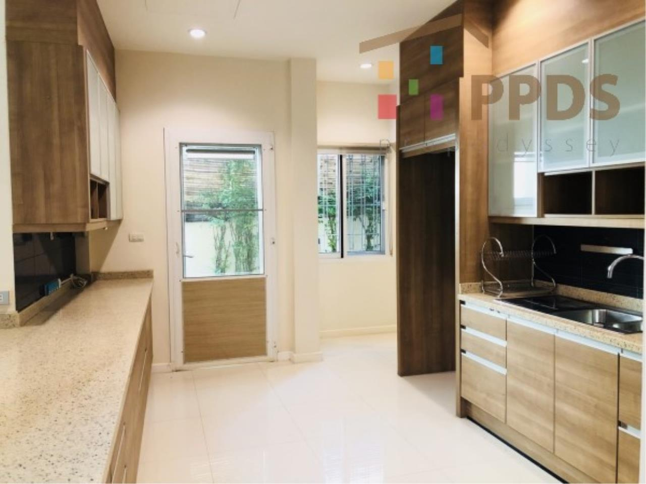 Propodyssey Agency's Fire Sale excellent house 4 bedrooms good condition and ready to move in near Mega Bangna and Airport 10
