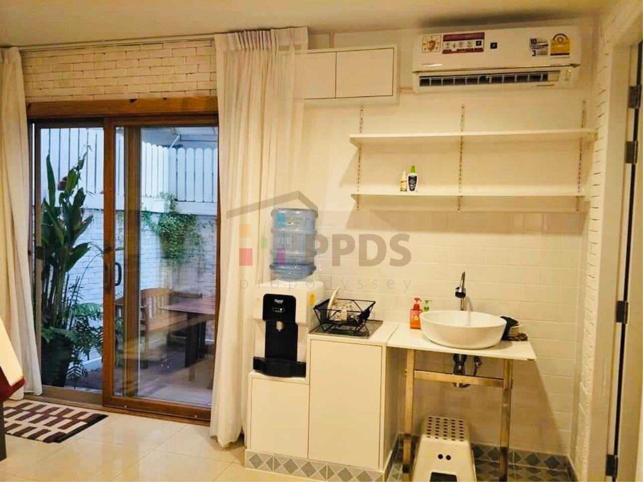 Propodyssey Agency's Specious 4 bedrooms townhouse for sale with tenant at Sukhumvit 101/1 - Punnawithi 5