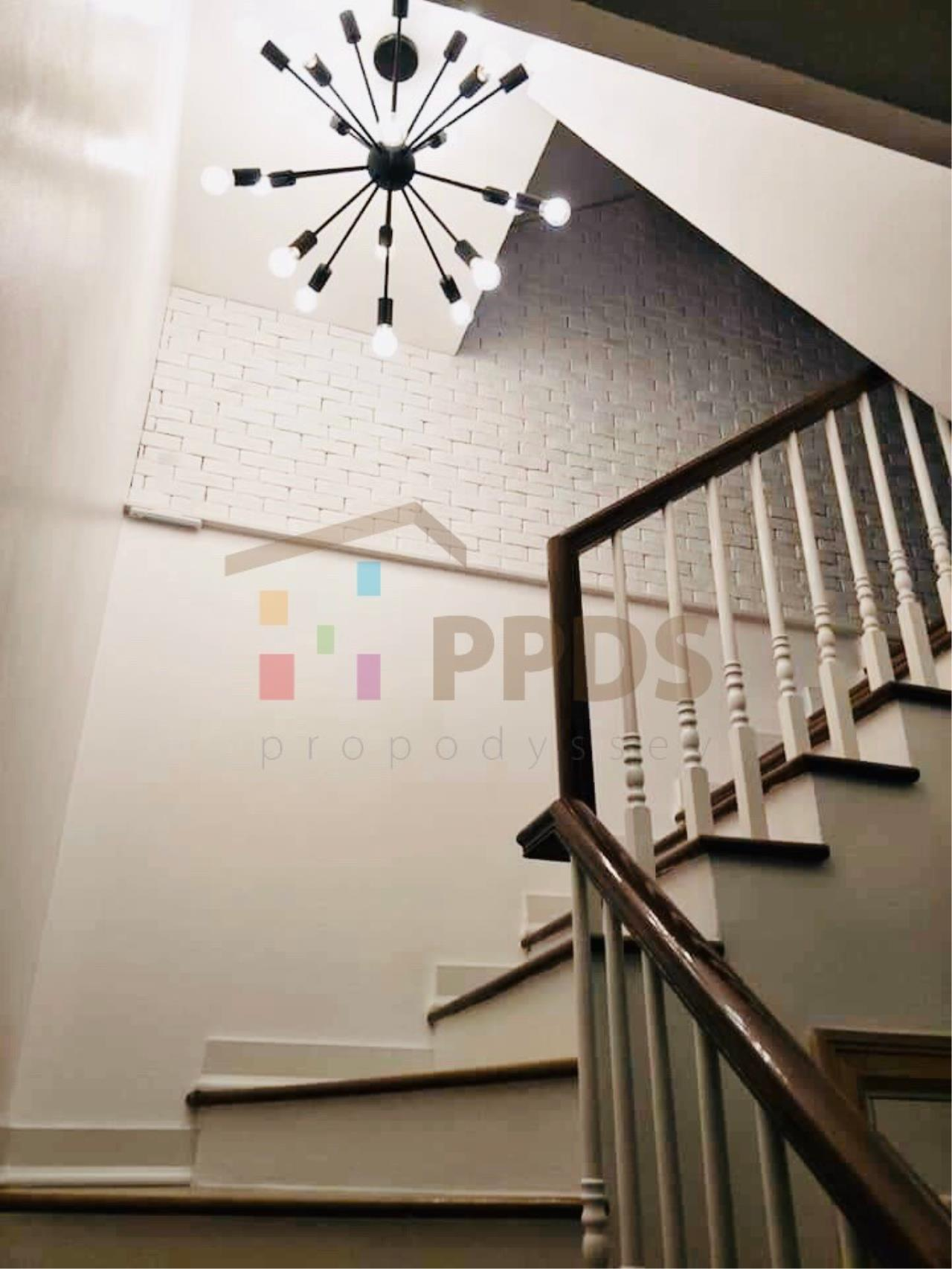 Propodyssey Agency's Specious 4 bedrooms townhouse for sale with tenant at Sukhumvit 101/1 - Punnawithi 7