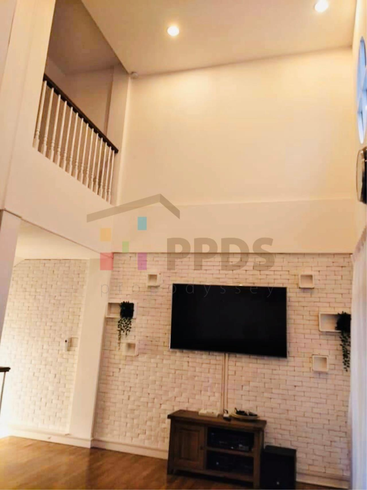 Propodyssey Agency's Specious 4 bedrooms townhouse for sale with tenant at Sukhumvit 101/1 - Punnawithi 8