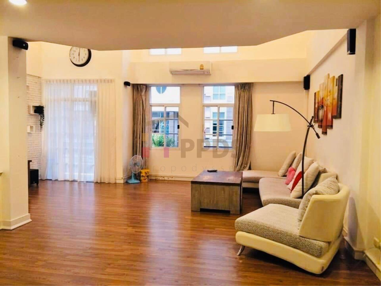 Propodyssey Agency's Specious 4 bedrooms townhouse for sale with tenant at Sukhumvit 101/1 - Punnawithi 9