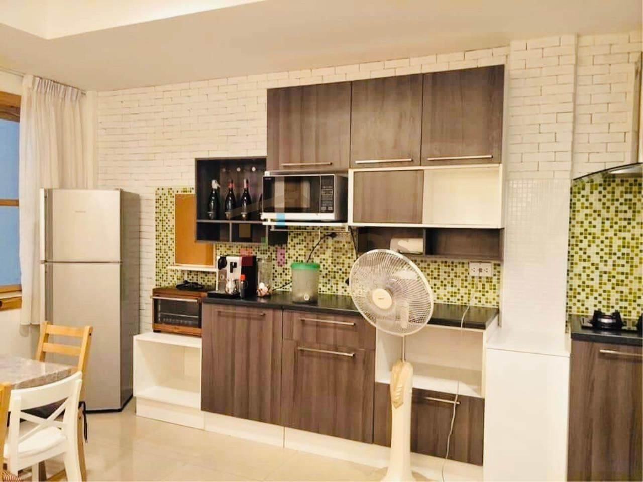 Propodyssey Agency's Specious 4 bedrooms townhouse for sale with tenant at Sukhumvit 101/1 - Punnawithi 10