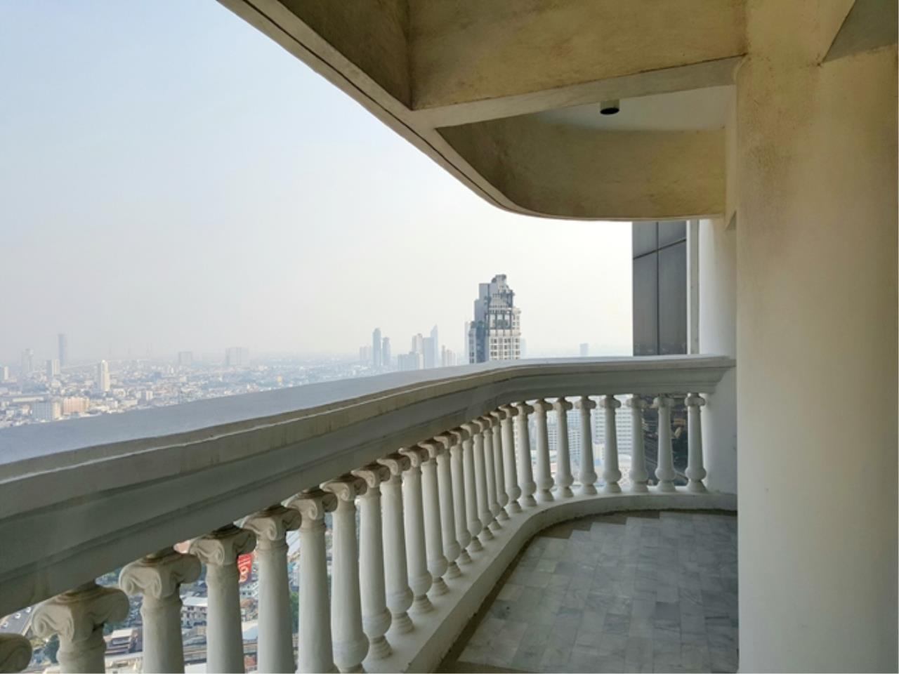 3Q Properties Co.,Ltd. Agency's Room for Sale! State Tower skyscraper, near BTS SaphanTaksin, Tollway 9
