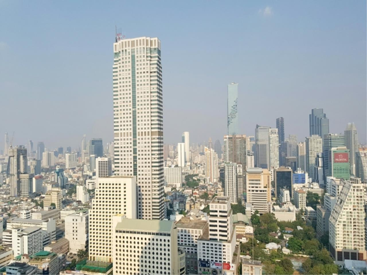 3Q Properties Co.,Ltd. Agency's Room for Sale! State Tower skyscraper, near BTS SaphanTaksin, Tollway 11